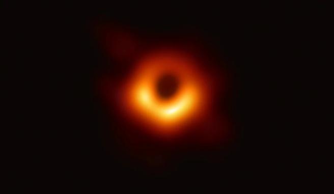 1024px-Black_hole_-_Messier_87
